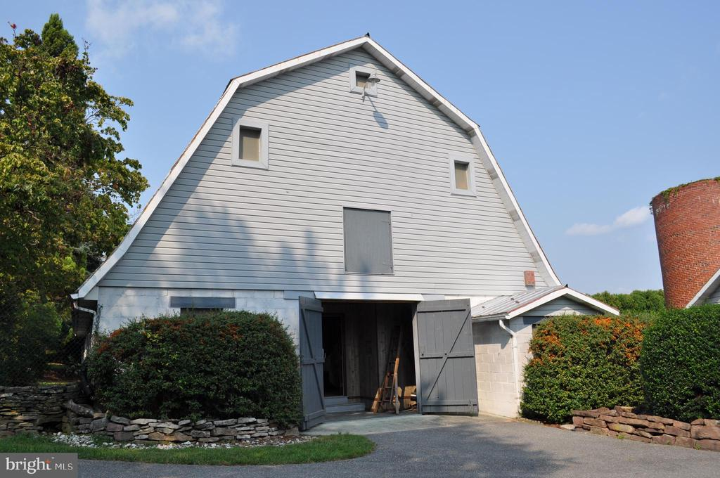 First of two barns - this used as an office - 11690 FREDERICK RD, ELLICOTT CITY