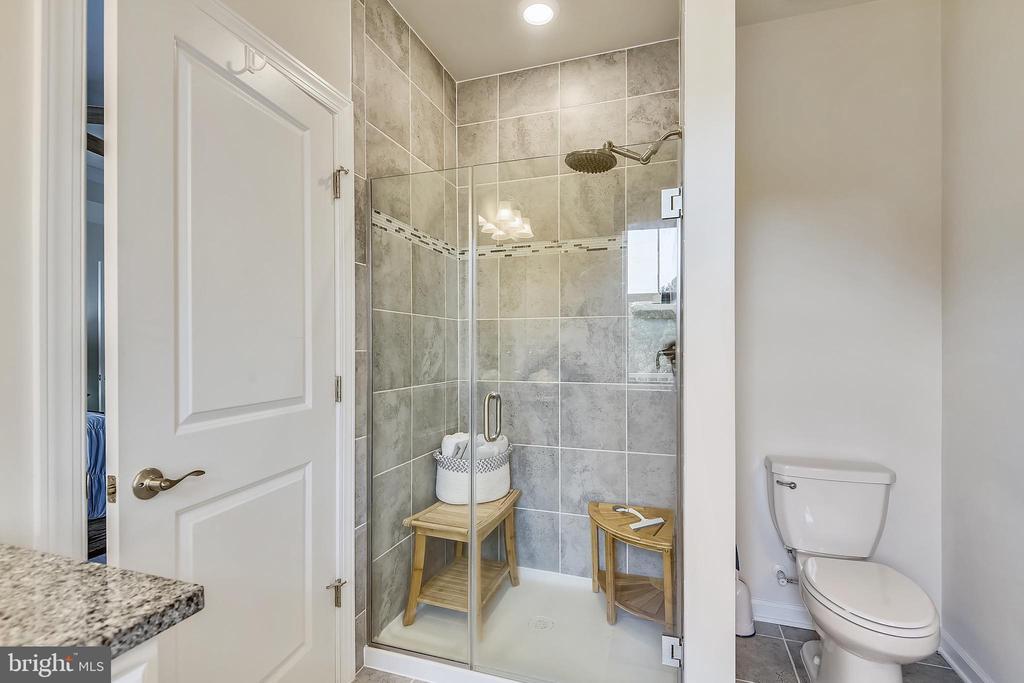 Master Bathroom shower - 45127 KINCORA DR, STERLING