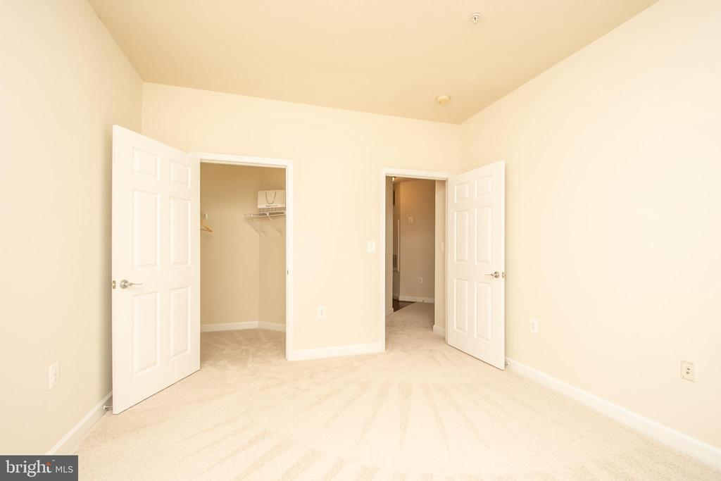 Bedroom #2 with walk-in closet - 42531 ROCKROSE SQUARE #102, ASHBURN