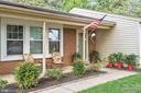 Charming front porch - 505 ASPEN DR, HERNDON