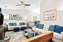 Bright and spacious living room - 505 ASPEN DR, HERNDON