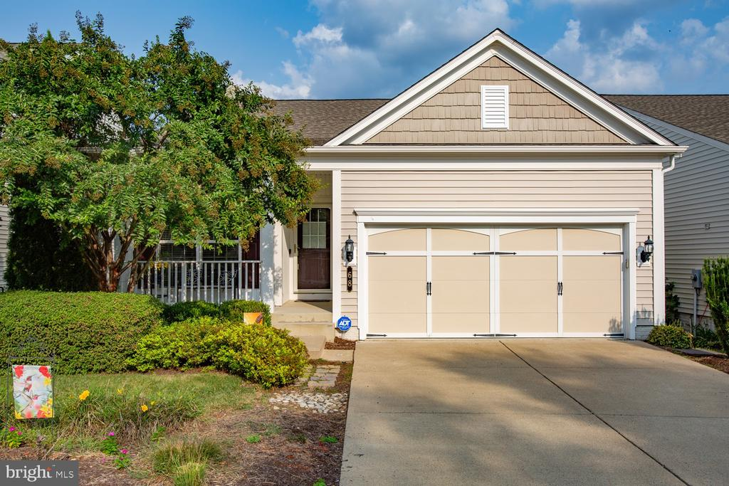 Welcome home! - 68 TABLE BLUFF DR, FREDERICKSBURG