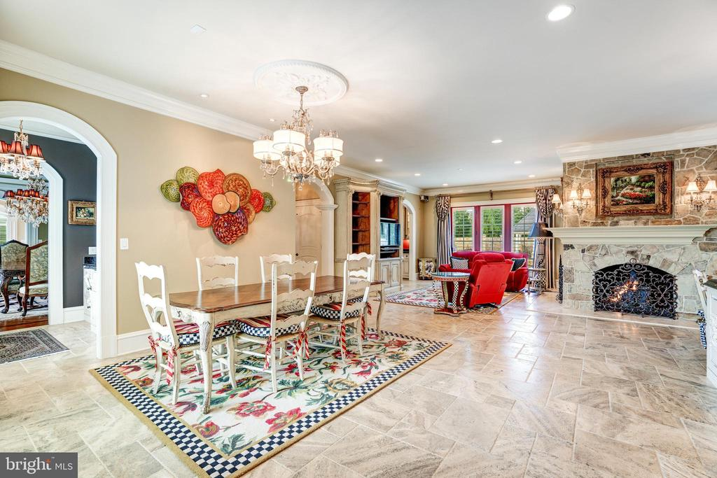 Spacious Kitchen is Truly the Heart of the Home - 40483 GRENATA PRESERVE PL, LEESBURG