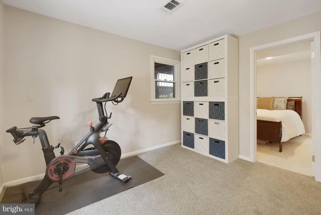Workout Area/Nook - A Great Place to Decompress! - 8423 HOLLIS LN, VIENNA