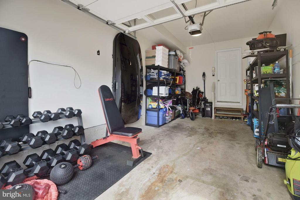 Home Boasts a Garage (a Rarity in This Community)! - 8423 HOLLIS LN, VIENNA