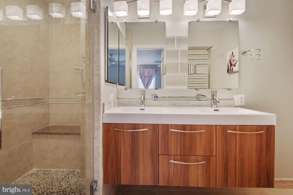 Primary Bathroom #1 - Absolutely Stunning! - 8423 HOLLIS LN, VIENNA