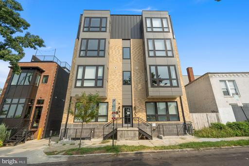 705 IRVING ST NW #202