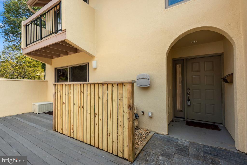 Front Courtyard - 11684 MEDITERRANEAN CT, RESTON