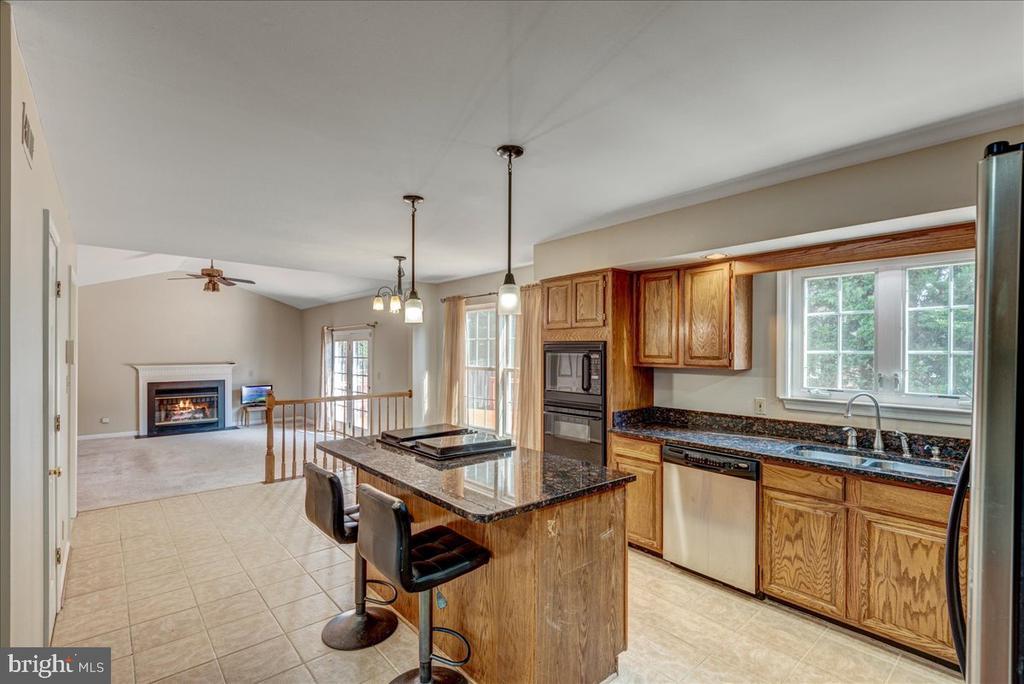Large kitchen with island. - 127 NORTHAMPTON BLVD, STAFFORD
