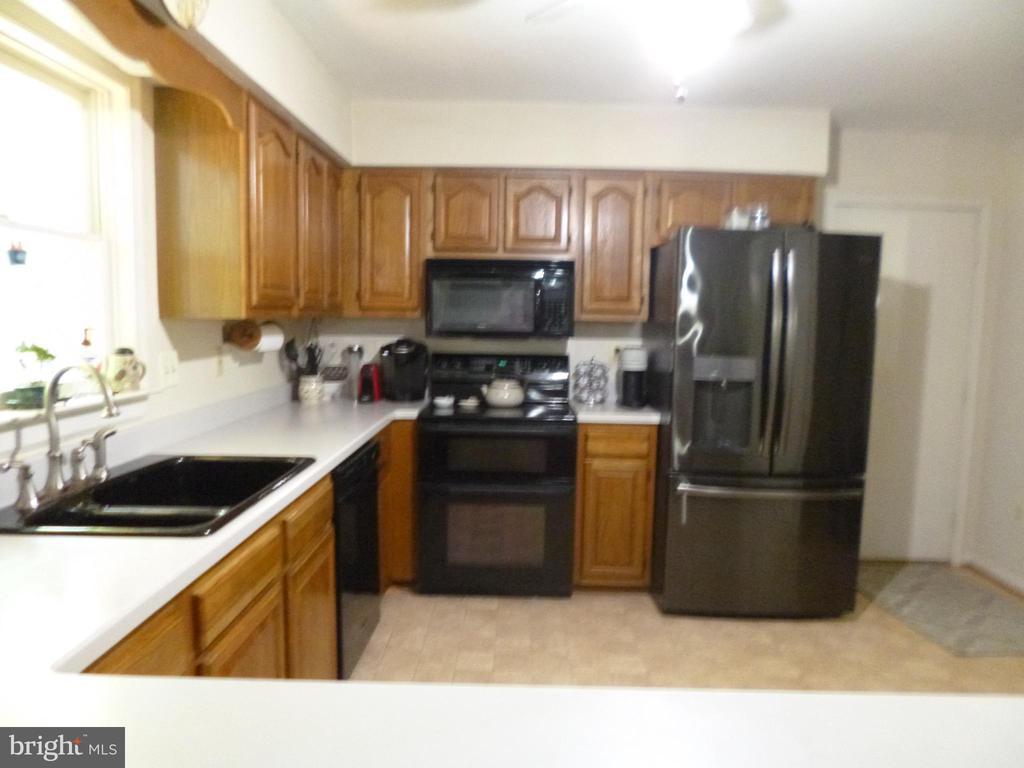 Kitchen - 4204 AVON DR, DUMFRIES