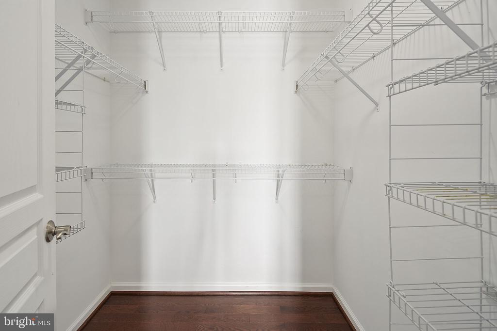Primary bedroom 1, walk-in closet - 2615 S KENMORE CT, ARLINGTON