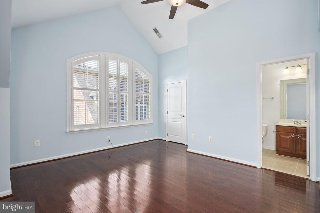 Primary bedroom 2 - 2615 S KENMORE CT, ARLINGTON