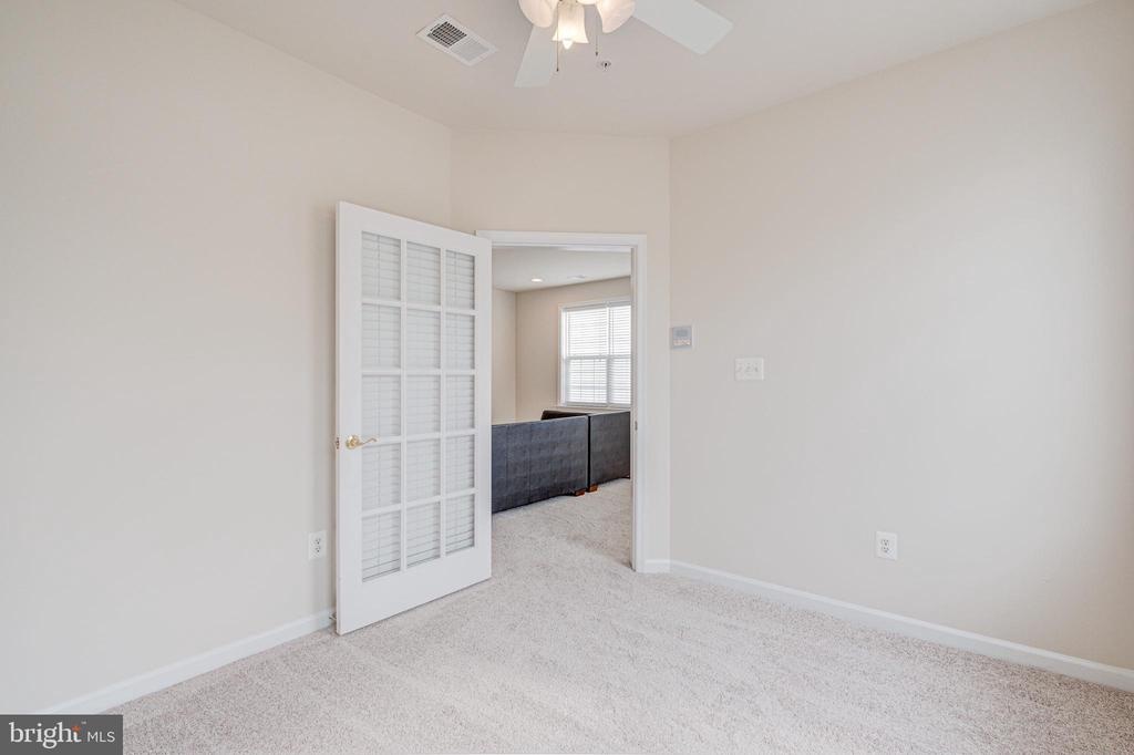 Picture #2 of flex  space - 43610 HAMPSHIRE CROSSING SQ #AD-205, LEESBURG