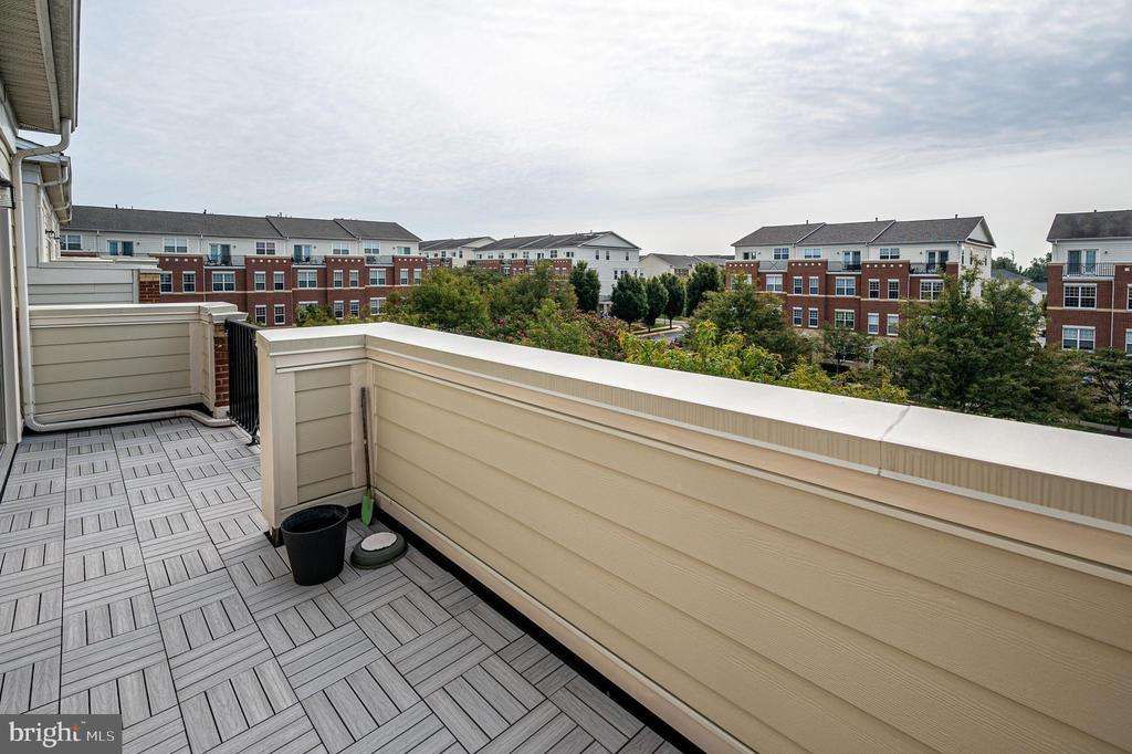 Have morning coffee  on your private balcony - 43610 HAMPSHIRE CROSSING SQ #AD-205, LEESBURG