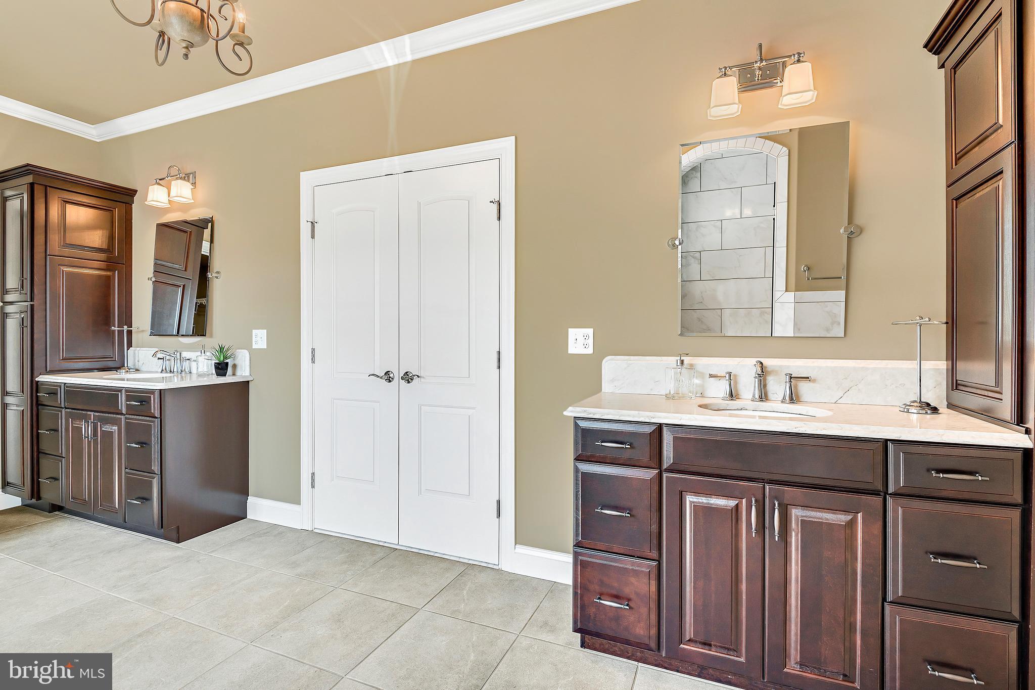 Dual Cabinet Sinks