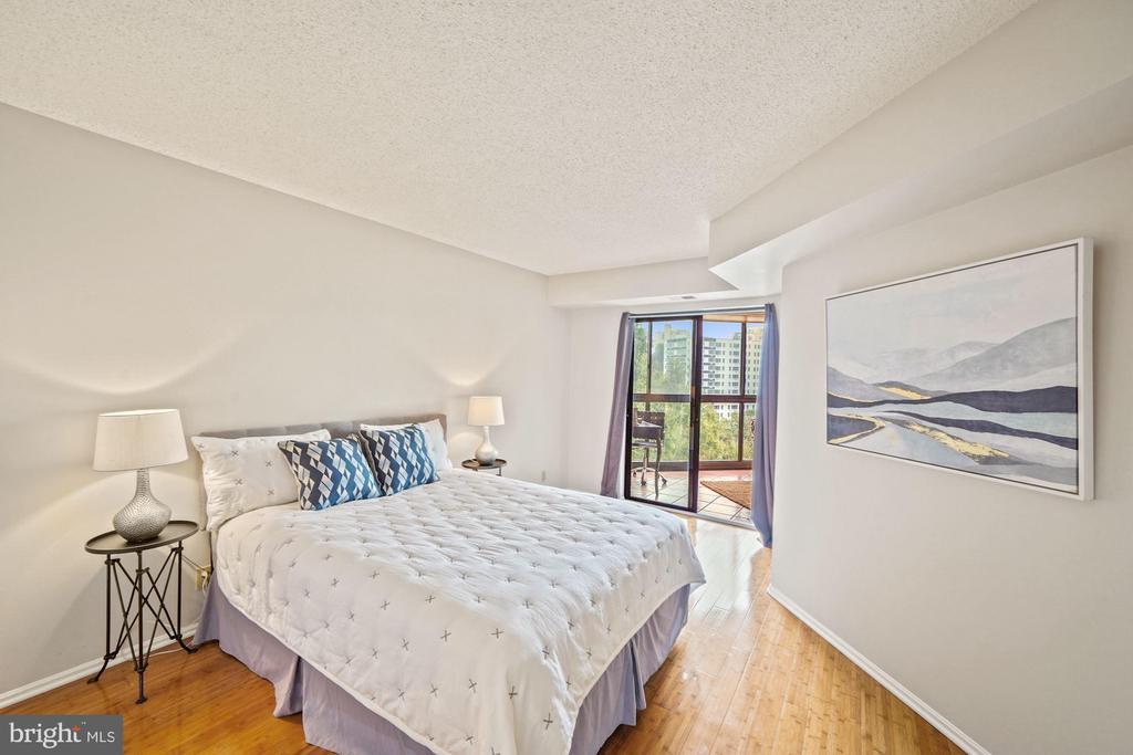 Second bedroom - 1600 N OAK ST #525, ARLINGTON