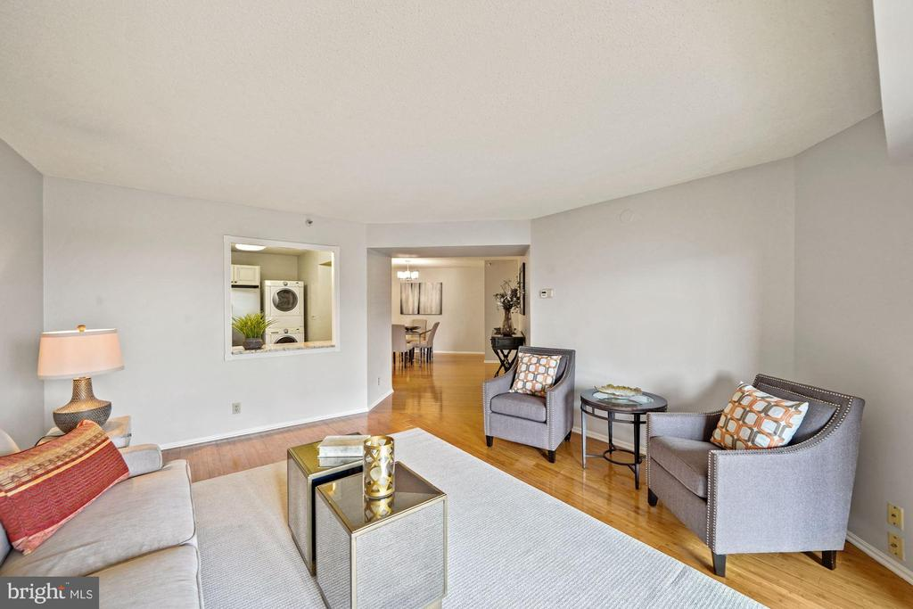 Welcome to #525 at The Belvedere! - 1600 N OAK ST #525, ARLINGTON