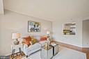 Living area - 1600 N OAK ST #525, ARLINGTON