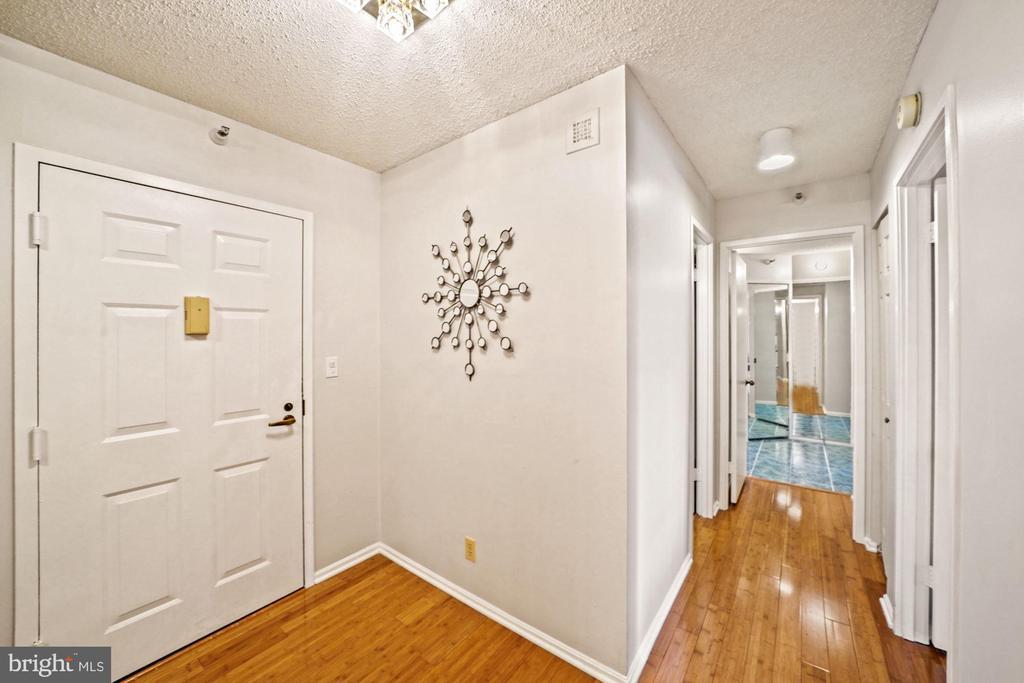 Entrance - 1600 N OAK ST #525, ARLINGTON