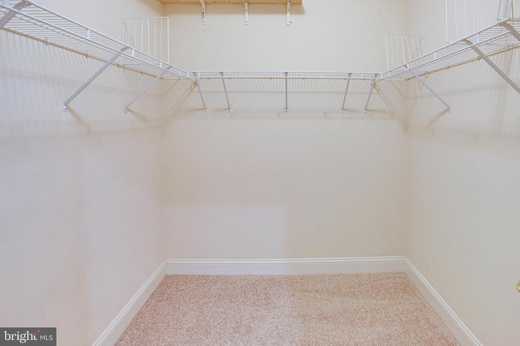 double walk in closets - 4525 MOSSER MILL CT, WOODBRIDGE