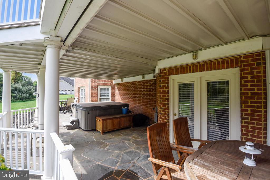 Lower level patio - 19186 CHARANDY DR, LEESBURG