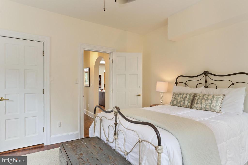 Bedroom 2 on Main Level - 408 JACKSON PL, ALEXANDRIA