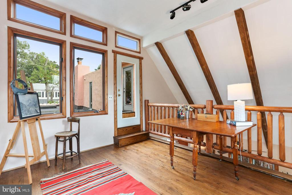 Studio overlooking family room and kitchen - 408 JACKSON PL, ALEXANDRIA