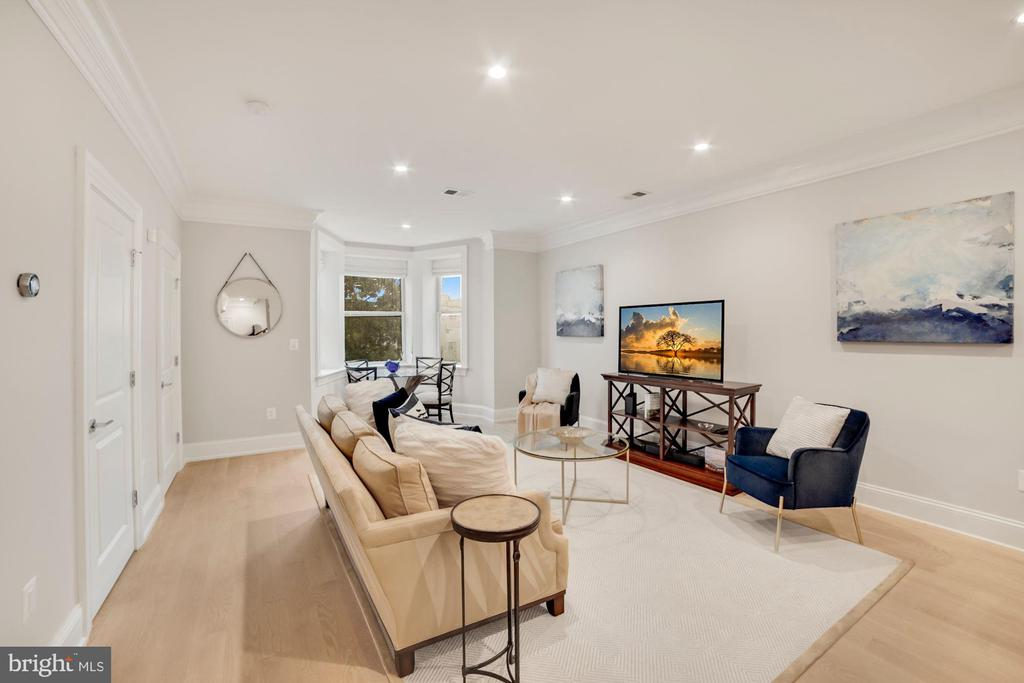 Living Room w/ Recessed Lighting - 1918 11TH ST NW #B, WASHINGTON