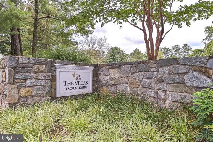 Private small Community -The Villas at Countryside - 112 WESTWICK CT #6, STERLING