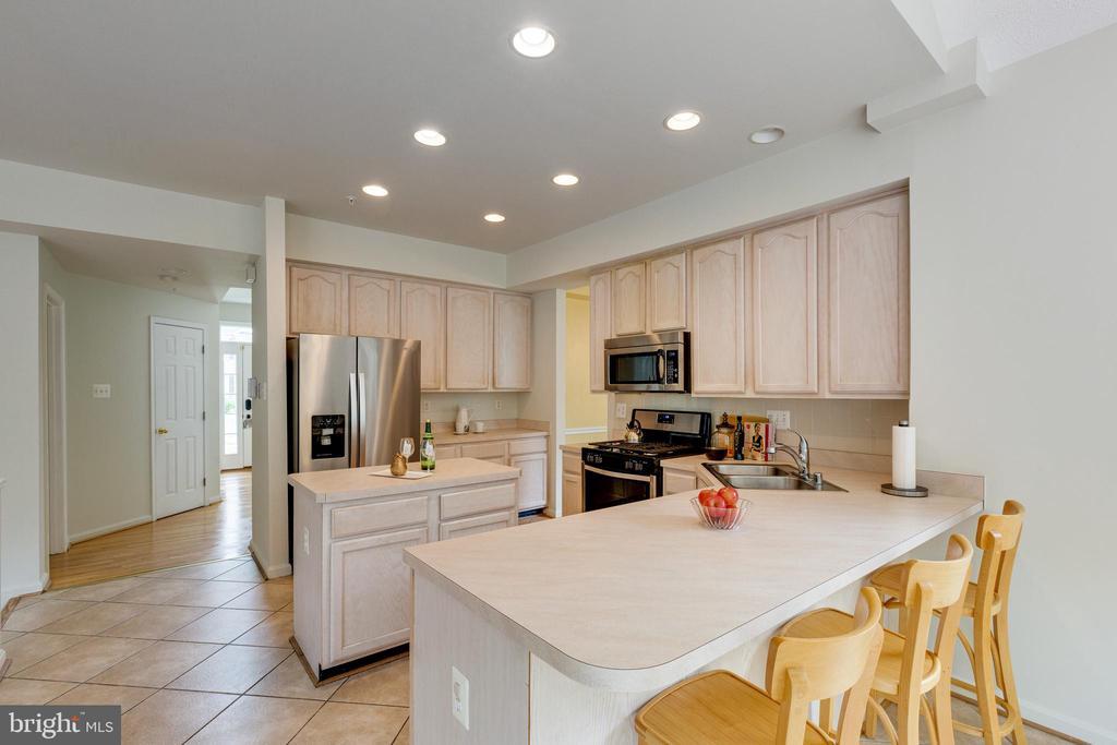 Kitchen w/Breakfast Bar Area - 7617 STRATFIELD LN, LAUREL