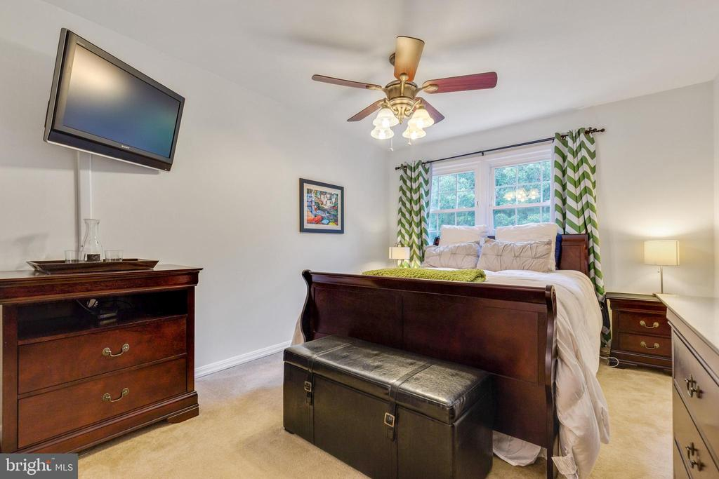 Primary Bedroom - 7157 LAKE COVE DR, ALEXANDRIA