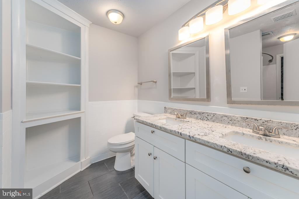 Primary Bath w/Dual Entry and Dual Sink Vanity - 107 NINA CV, STAFFORD