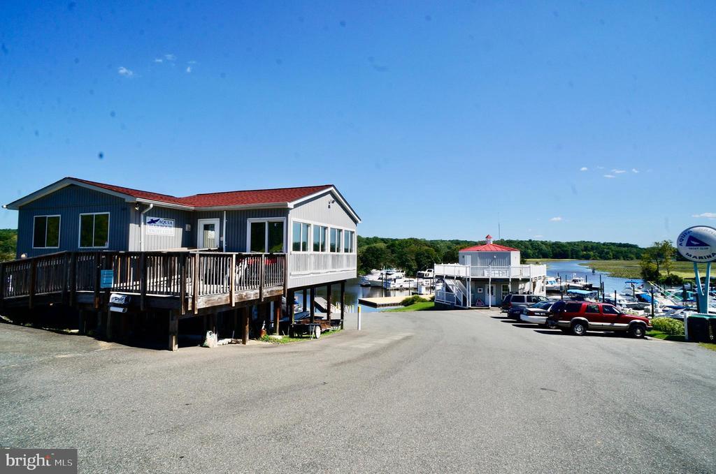 Yacht Club and Marina Store - 107 NINA CV, STAFFORD