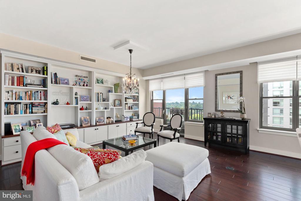 Living Room - 7710 WOODMONT AVE #1102, BETHESDA