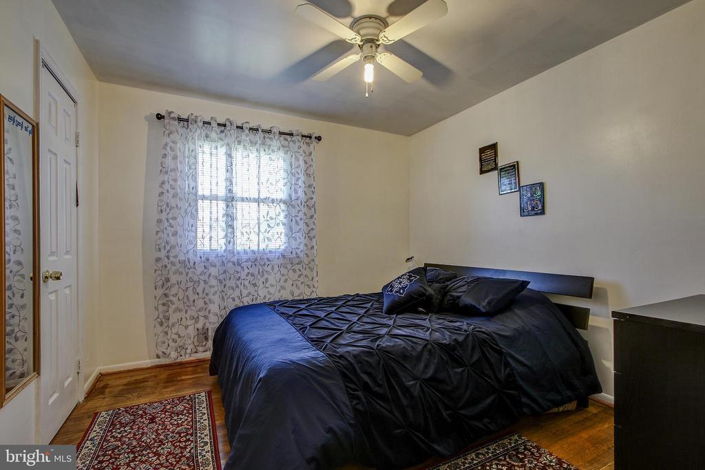 Upper Level/Bedroom2 - 12521 SUMMERWOOD DR, SILVER SPRING