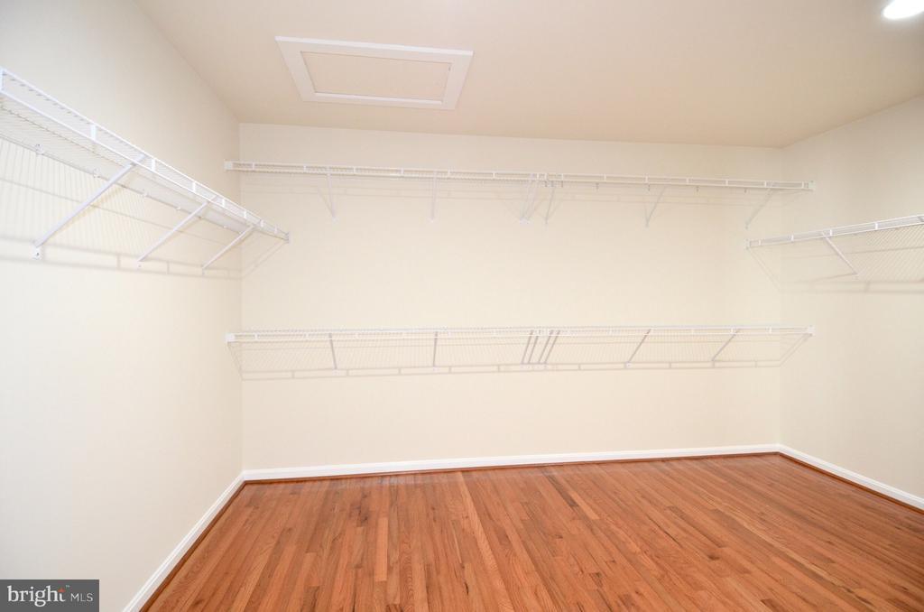Huge master bedroom closet - 5647 LIBERTY MANOR CIR, WOODBRIDGE