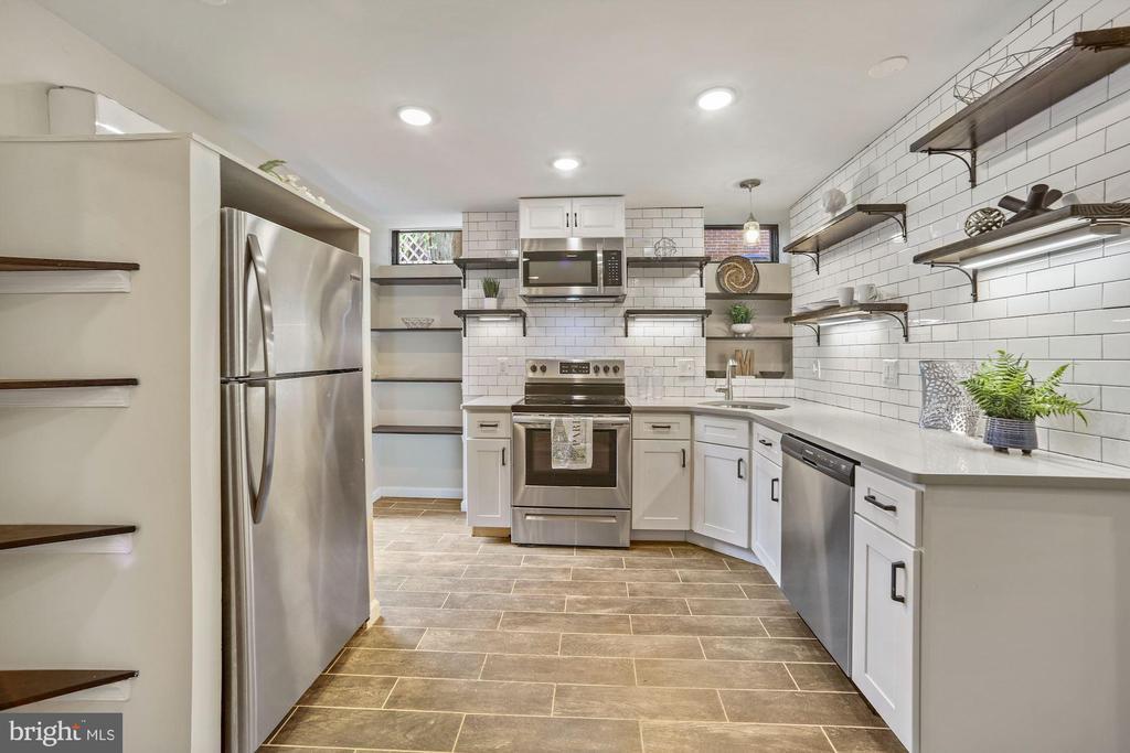 Kitchen is Light & Bright - 402 U ST NW, WASHINGTON