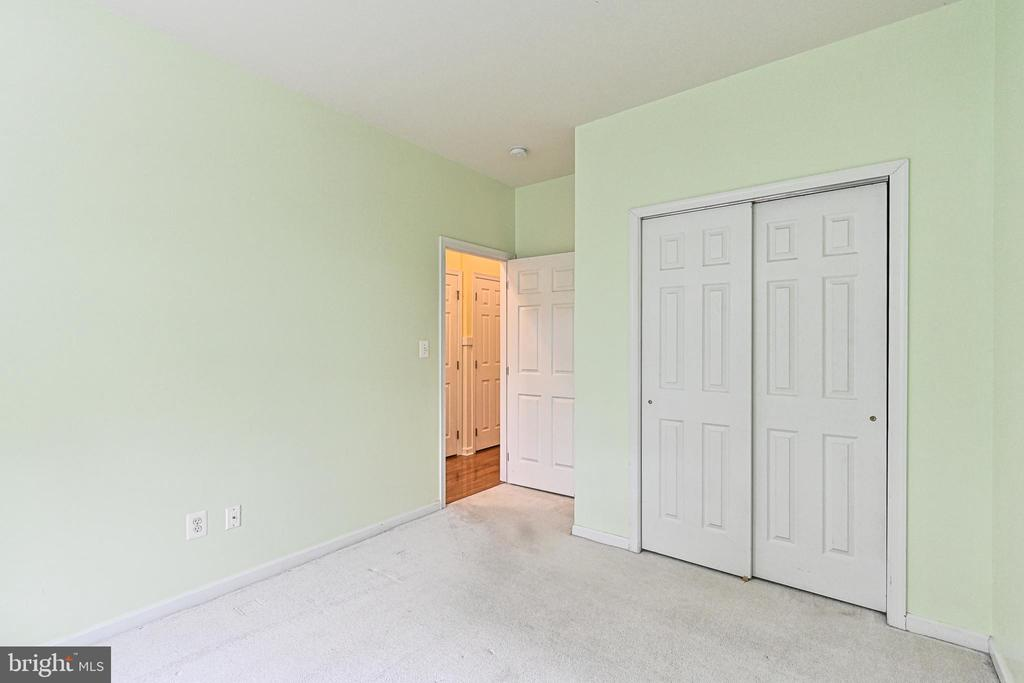 Entry Level Bedroom - 42791 SMALLWOOD TER, CHANTILLY