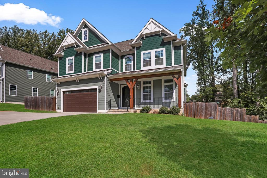 Exceptional Structure and Location - 3122 NORTHWOOD RD, FAIRFAX