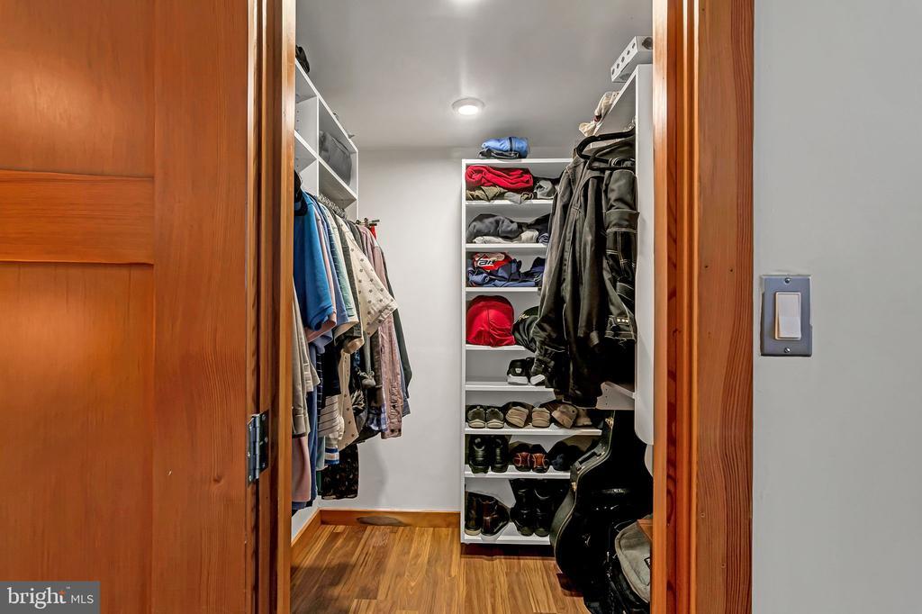 Walk-in closet - 1733 S HAYES ST #A-1, ARLINGTON