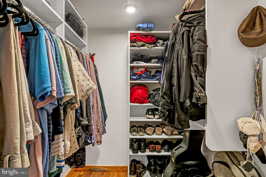 Walk-in closet with built ins - 1733 S HAYES ST #A-1, ARLINGTON