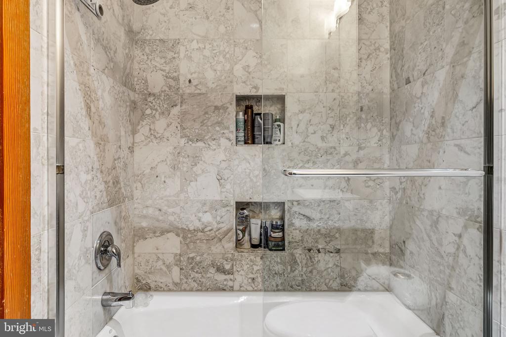 Bathroom #2 - 1733 S HAYES ST #A-1, ARLINGTON