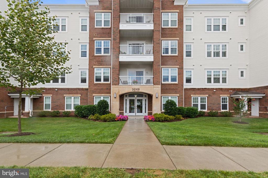 Welcome to Potomac Green Condominium! - 20505 LITTLE CREEK TER #302, ASHBURN