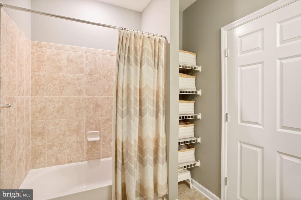 Bathroom #2 - Built-In Shelves for Bonus Storage! - 20505 LITTLE CREEK TER #302, ASHBURN