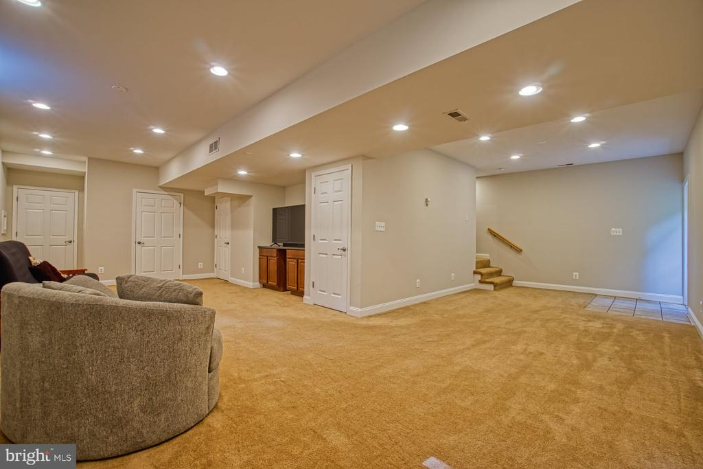 - 41422 DALEVIEW LN, LEESBURG