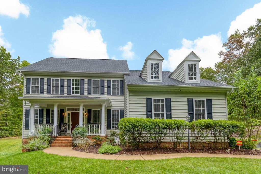 PEACE AND TRANQUILITY. - 8635 LAROQUE RUN DR, FREDERICKSBURG