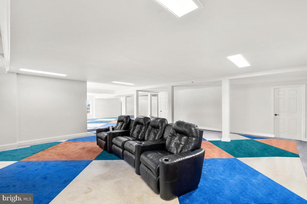 Great spot for family entertainment. - 17566 TOBERMORY PL, LEESBURG
