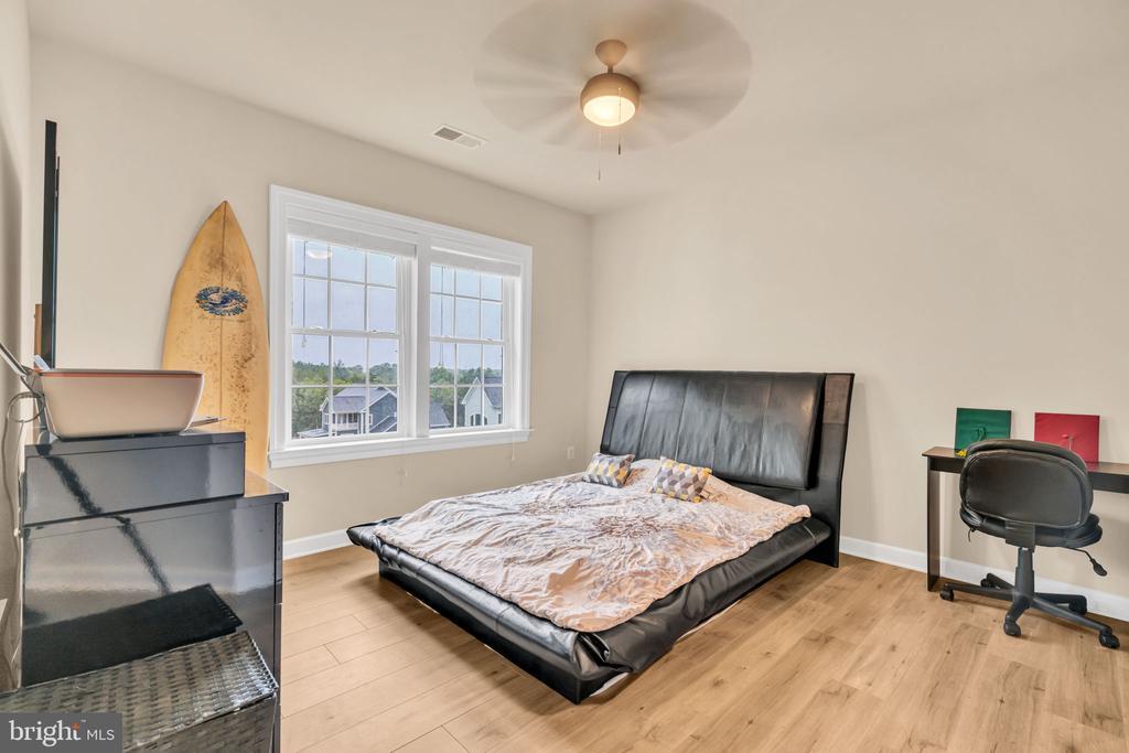 Bedroom #4 - 41219 TRAMINETTE CT, ASHBURN