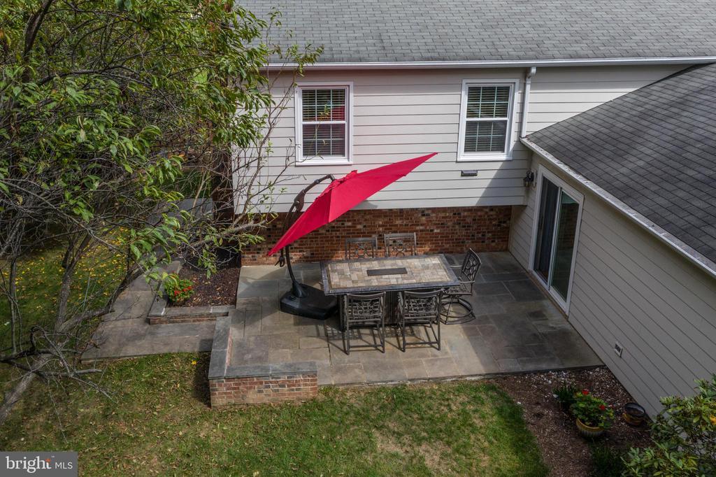 Spacious rear patio - 12818 FANTASIA DR, HERNDON