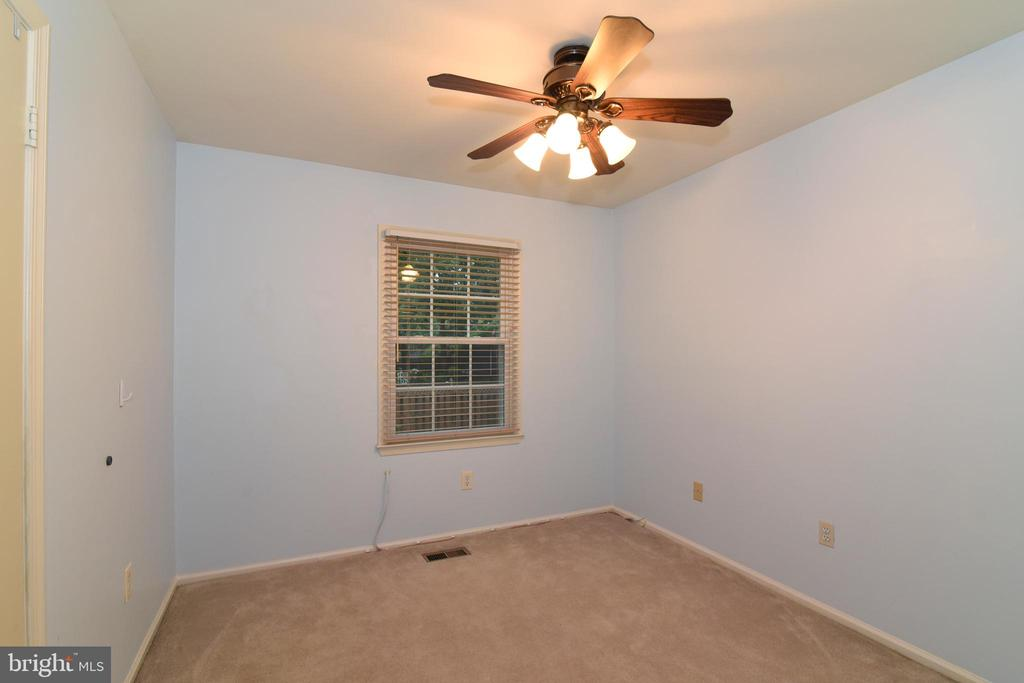 Second of 3 bedrooms on main level - 12818 FANTASIA DR, HERNDON